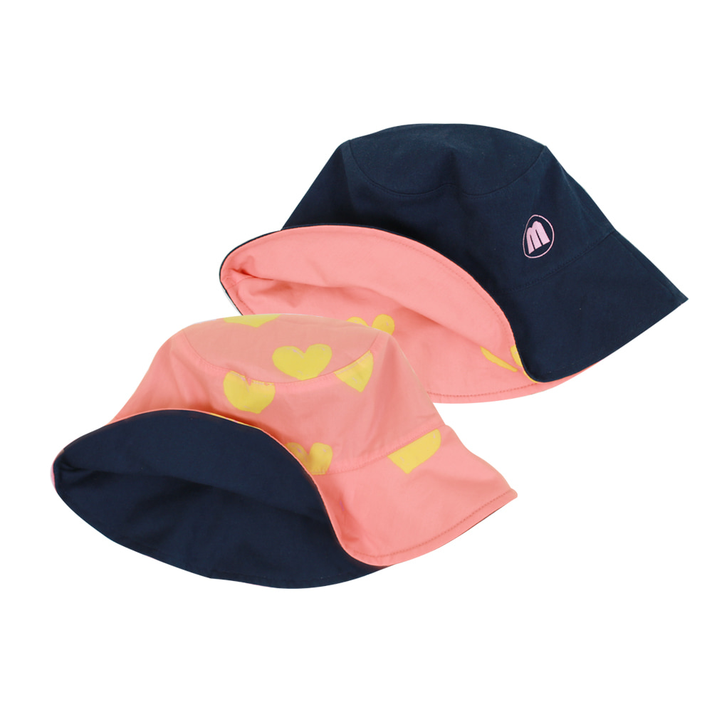 Heart reversible bucket hat